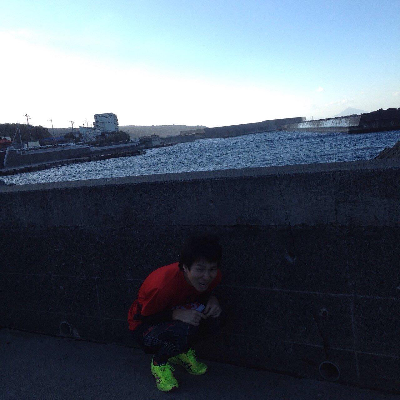 第4回伊豆大島マラソン!腸脛靭帯炎の再発でつらく苦しい42.195kmに。その7