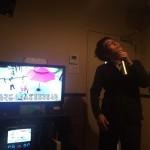 カラオケで上手く歌えるようになる方法。